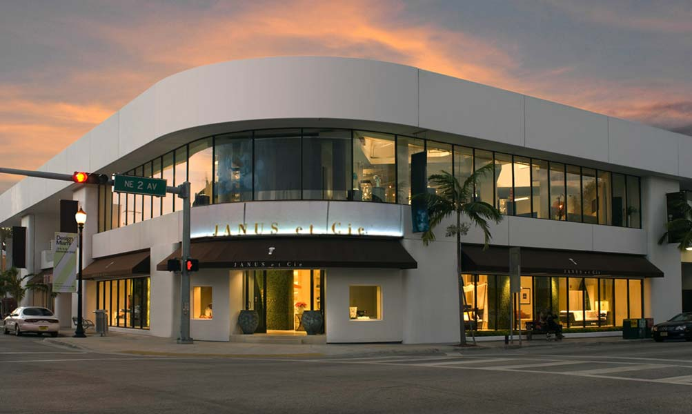 Image Slideshow Image: Miami Showroom
