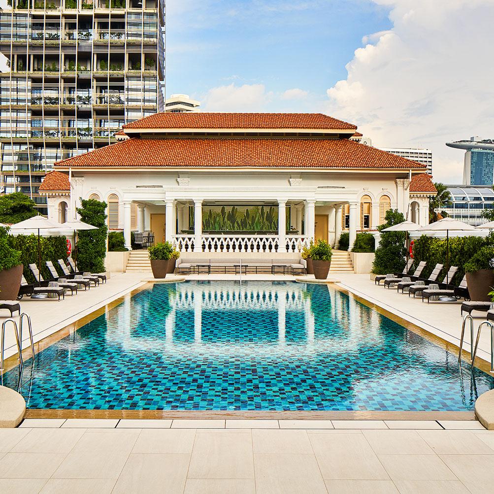 Image Slideshow Image: RafflesSingapore 01